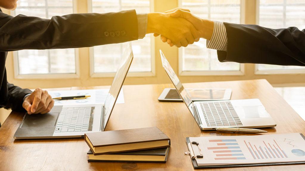 System CRM - efektywna współpraca w biurze i zdalnie.